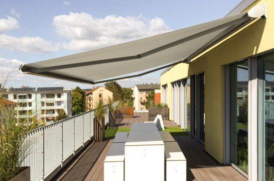 Sonnenschutz mit der Markise Jubilo Plus auch für große Flächen